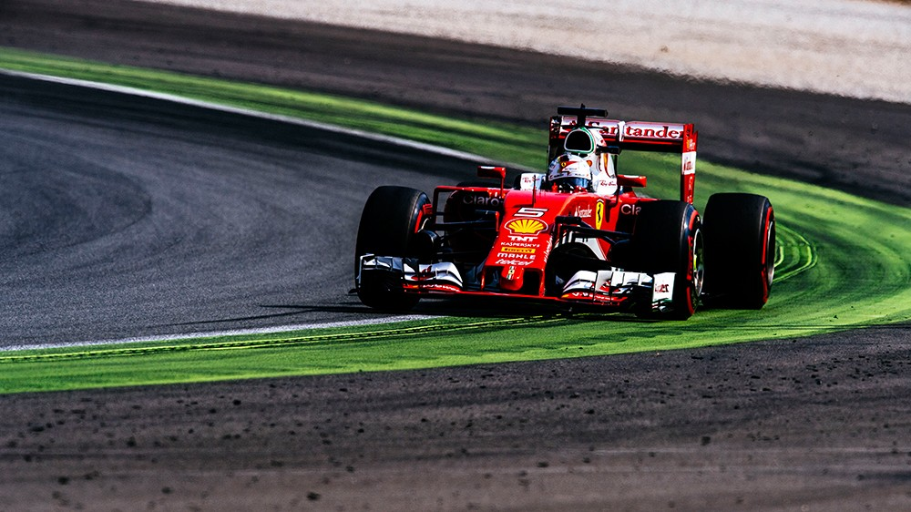 italian grand prix an all ferrari second row scuderia performante. Black Bedroom Furniture Sets. Home Design Ideas
